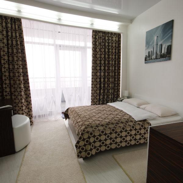 """Апартаменты в отеле Мост-Сити центр Днепр, номер Полулюкс """"Скайтек"""""""